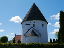 Free Steeple, Building, Medieval Architecture, Sky Royalty Free Stock Photography - 113164377