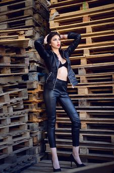 Free Photo Of A Woman Wearing Leather Jacket And Pants Royalty Free Stock Images - 113349589