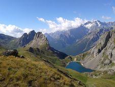 Free Mountainous Landforms, Highland, Mountain, Mountain Range Royalty Free Stock Photography - 113372977
