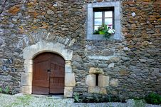 Free Wall, Stone Wall, Window, House Stock Photography - 113373022