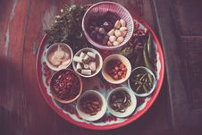 Free Assorted Spices On White And Red Plate On Brown Wooden Table Stock Photos - 113472783