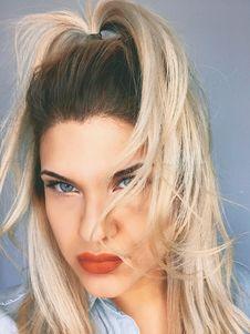 Free Blonde Hair Woman Royalty Free Stock Image - 113473026