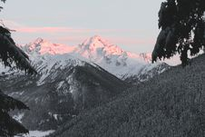 Free Photo Of Snow Capped Mountain Royalty Free Stock Photography - 113473077