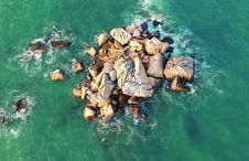 Free Bird S Eye View Of The Ocean Royalty Free Stock Photography - 113642117