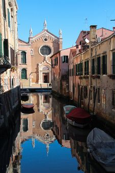 Free Waterway, Reflection, Canal, Water Stock Image - 113647441