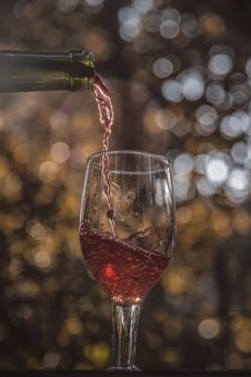Free Drink, Wine Glass, Stemware, Wine Stock Photo - 113659640