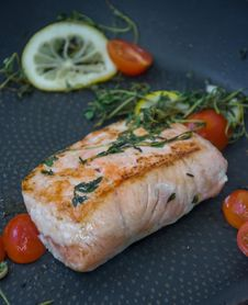 Free Smoked Salmon, Dish, Salmon, Garnish Royalty Free Stock Photos - 113659758
