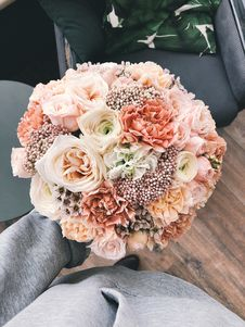 Free Pink Bouquet Stock Images - 113808994