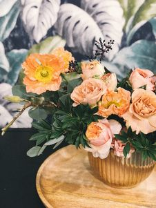 Free Peach Peony Flowers And Pink Poppy Flowers In Vase On Table Centerpiece Royalty Free Stock Photo - 113809005