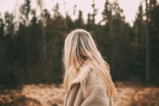 Free Depth Of Field Photography Of Woman Wearing White Coat Near Trees Stock Images - 113809214