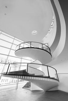 Free Grayscale Photo Of Spiral Stairs Royalty Free Stock Images - 113907759