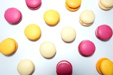 Free Assorted Coloured Macaroons Royalty Free Stock Photo - 113907775