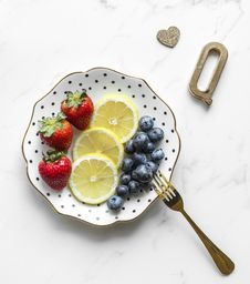 Free Photography Of Fruits On Plate Royalty Free Stock Photo - 113947535