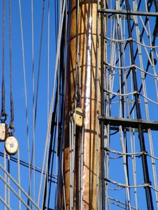 Free Mast Pole Ond Rigging On Sailboat Royalty Free Stock Images - 1140769