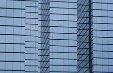 Free Modern Office Building With Glass Exterior Stock Photography - 1142982