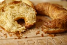 Free Croissants On Chopping Board Royalty Free Stock Image - 1144256