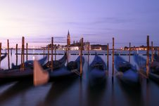 Free Gondola Boats In Venice Italy Royalty Free Stock Image - 114021536