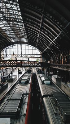 Free Architectural Photography Of Train Station Royalty Free Stock Images - 114321179