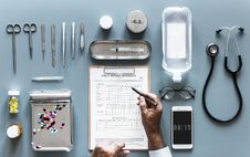 Free Assorted Doctors Tools Royalty Free Stock Images - 114378559
