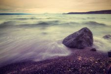 Free Grey Rock On Beach Royalty Free Stock Photos - 114378668