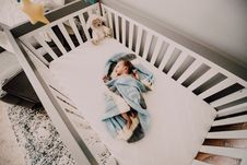 Free Baby Covered With Blue And White Towel Stock Photography - 114443162