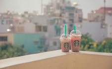 Free Close-Up Photography Of Two Starbucks Disposable Cups Royalty Free Stock Photography - 114510647