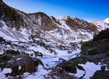 Free Mountain Range Covered With Snow Royalty Free Stock Photography - 114510767