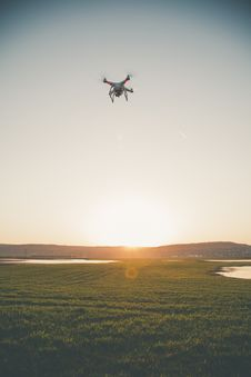 Free Photo Of Drone Flying In The Field Royalty Free Stock Photos - 114510858