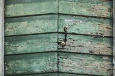 Free Green Wooden Door Stock Photo - 114510980