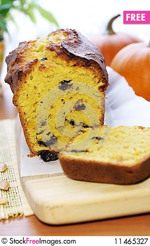 Free Delicious Pumpkin Bread With Raisins Royalty Free Stock Photography - 11465327