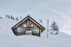 Free House Covered In Snow Stock Photography - 114603002