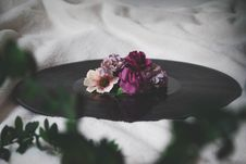 Free Selective Focus Photography Of Flowers On Top Of Vinyl Record Stock Image - 114603251