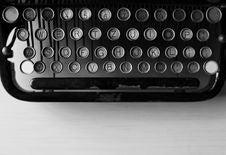 Free Black Typewriting Machine Royalty Free Stock Photo - 114603295