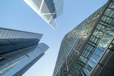 Free Low Angle Photography Of Buildings Under Blue And White Sky Stock Photo - 114603470