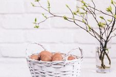 Free Bunch Of Poultry Egg In White Wicker Basket Royalty Free Stock Photo - 114750865