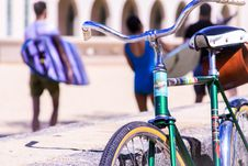 Free Selective Focus Photography Of Green Bike Royalty Free Stock Images - 114825539
