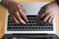 Free Person Typing On Laptop Royalty Free Stock Photos - 114825678