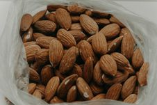 Free Close-Up Photography Of Almond Nuts Royalty Free Stock Photos - 114892508