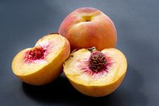 Free Ripe Juicy Fleshy Peaches Royalty Free Stock Photography - 1150697