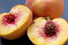 Free Ripe Juicy Fleshy Peaches Stock Photography - 1150742