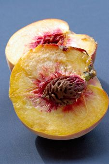 Free Ripe Juicy Fleshy Peaches Stock Photography - 1150772