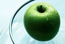 Free Wet Green Apple Stock Photography - 1150782