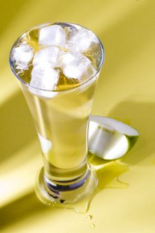 Free Apple Juice Stock Images - 1151544