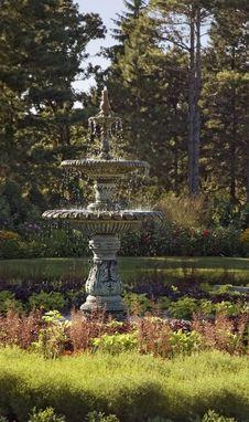 Free Garden Fountain Stock Photo - 1155640