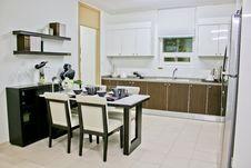 Free Rectangular Black Wooden Dining Set Royalty Free Stock Images - 115013049
