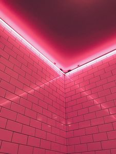 Free Pink Light Fixture Stock Photography - 115013112
