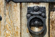 Old Wooden Door With Aged Metal Door Handle Royalty Free Stock Images