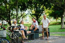 Free Photo Of Group Of Men In Sitting On Bench Royalty Free Stock Image - 115111156