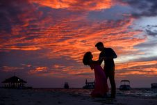 Free Man And Woman On Beach During Sunset Royalty Free Stock Photography - 115111247