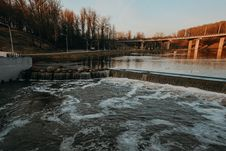 Free Body Of Water Surround By Trees Stock Images - 115203064